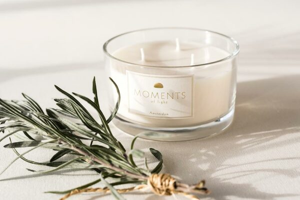 Mol Moments Of Light Scented Candle (glass With Greens)